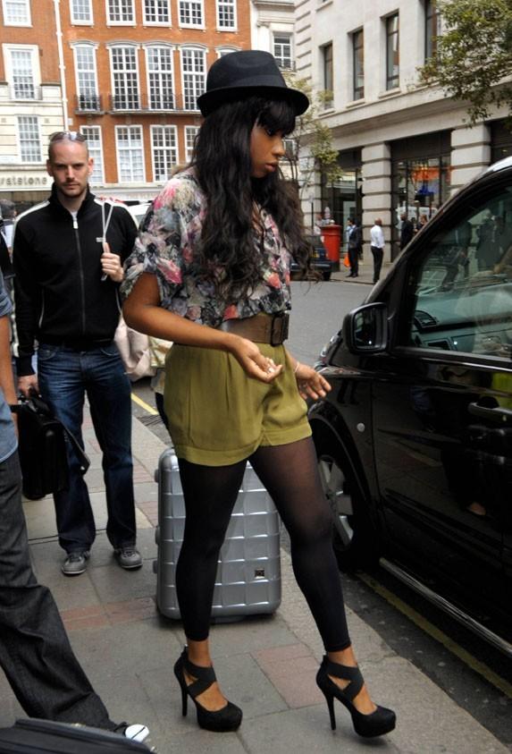 En vraie fashionista, elle se change plusieurs fois dans la même journée !