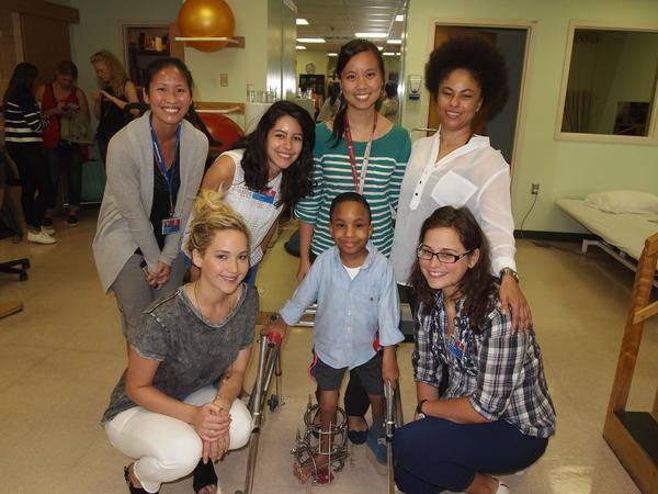 Jennifer Lawrence : Actrice au grand cœur, elle redonne le sourire aux enfants malades !