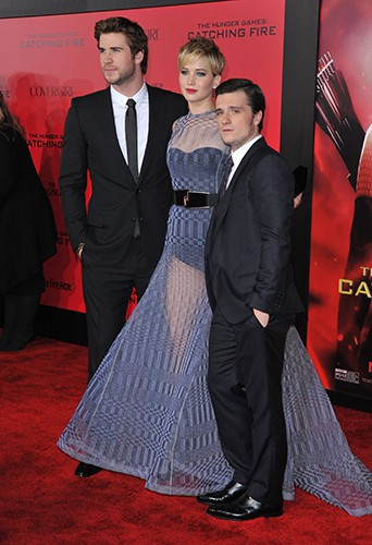 Liam Hemsworth, Josh Hutcherson et Jennifer Lawrence à Los Angeles le 18 novembre 2013