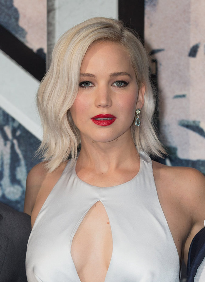 """Jennifer Lawrence à la Première du film """"X-Men: Apocalypse"""" à Londres le 9 mai 2016"""