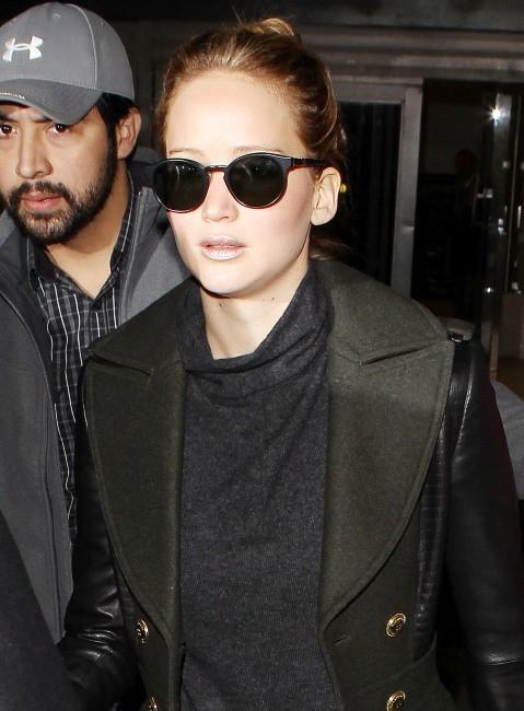 Jennifer Lawrence à l'aéroport de Los Angeles le 11 février 2013