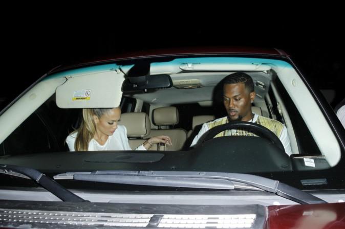 Jennifer Lopez : accompagn�e d'un s�duisant inconnu pour d�ner... son nouveau boyfriend ?