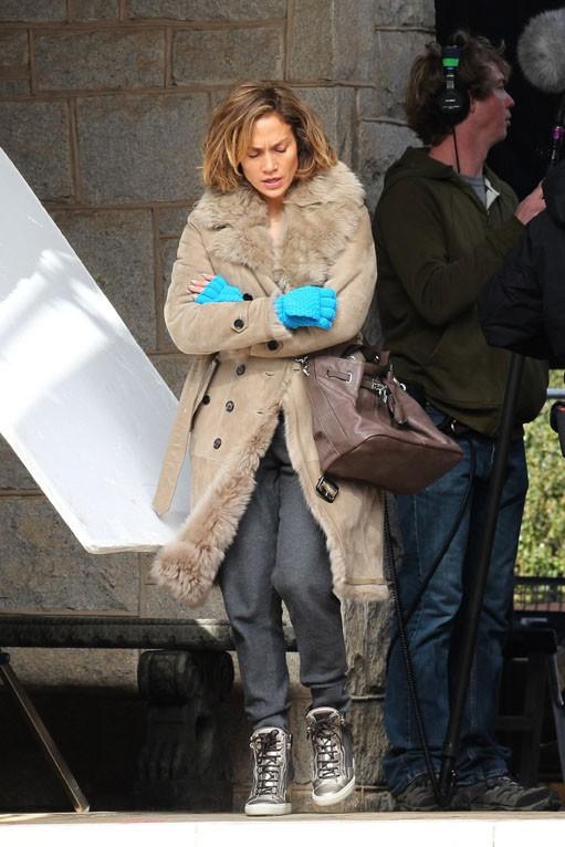 """Jennifer Lopez sur le tournage de son nouveau film """"Lila & Eve"""" à Decatur le 21 janvier 2014"""