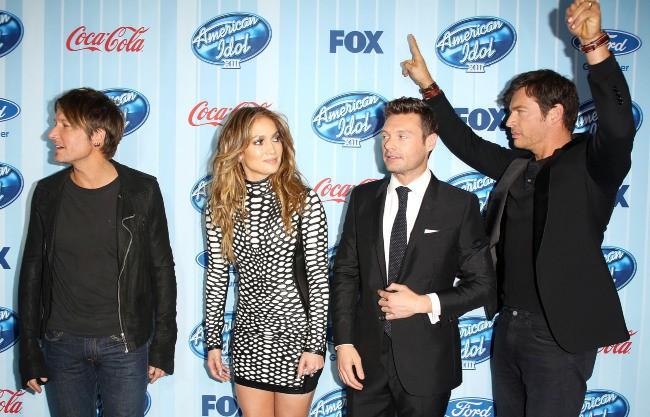 Keith Urban, Jennifer Lopez, Ryan Seacrest et Harry Connick Jr. lors du lancement de la saison 13 d'American Idol à Westwood, le 14 janvier 2014.