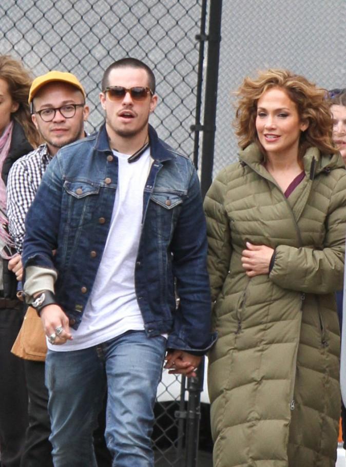 Photos : Jennifer Lopez : main dans la main avec son boyfriend sur le tournage de sa série !
