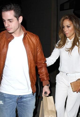 Photos : Jennifer Lopez : malgré les rumeurs de rupture, elle s'affiche avec Casper Smart !