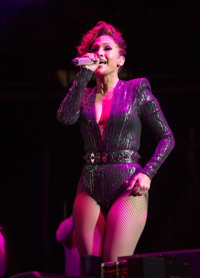 Jennifer lopez : ultra sexy lors de son concert au Madison Square Garden !