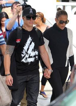 Photos : Jennifer Lopez profite avec Casper pendant que ses enfants sont à la plage avec les nounous !