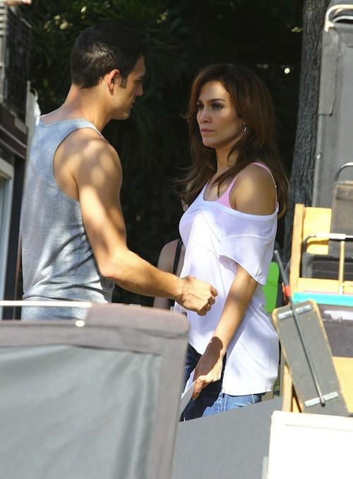 Photos : Jennifer Lopez : séance confidences à propos de son nouveau mec en plein tournage avec Leah Remini ?