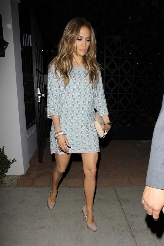 Photos : Jennifer Lopez : ultra-lookée pour aller dîner dans un restaurant chic alors qu'elle vous présente son nouveau single !