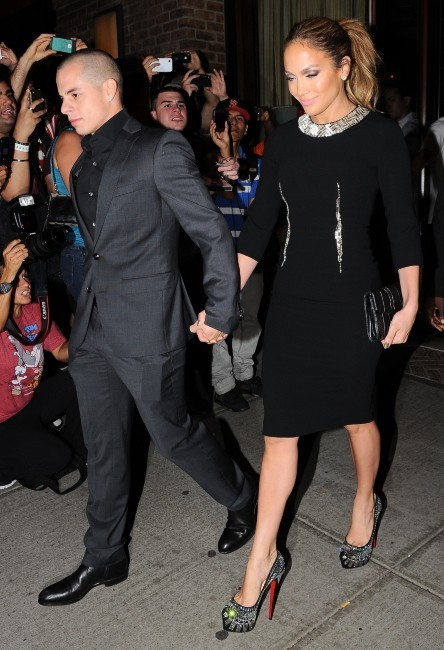 Jennifer Lopez et Casper Smart sortant de leur hôtel à New York, le 12 septembre 2012.