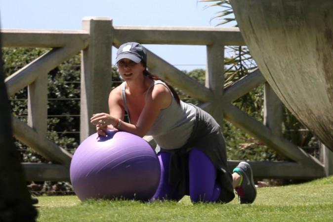 Jennifer Love Hewitt dans un parc de Los Angeles le 8 août 2013
