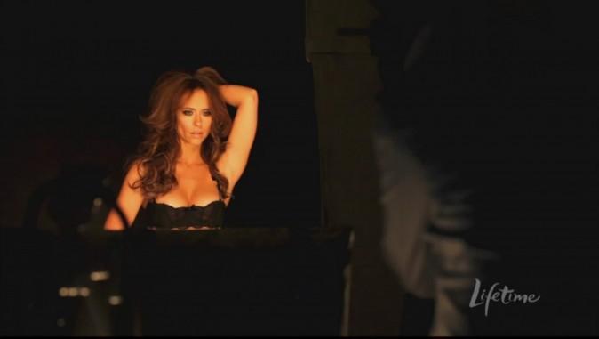Jennifer reine de la lingerie coquine !