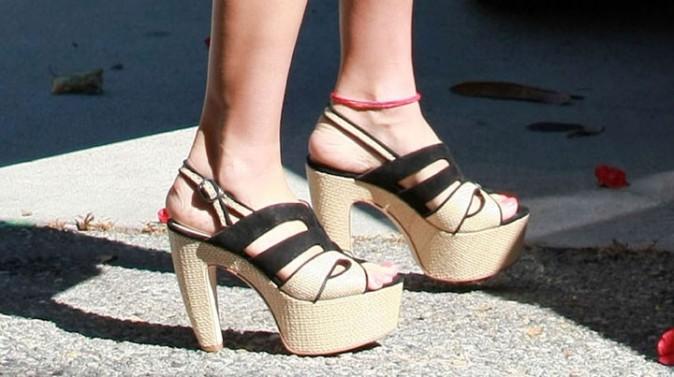 Est-ce raisonnable de sortir avec de telles chaussures ?