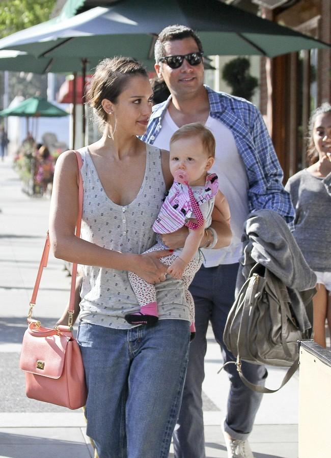 Jessica Alba, Cash Warren et Haven Garner le 21 juillet 2012 à Los Angeles
