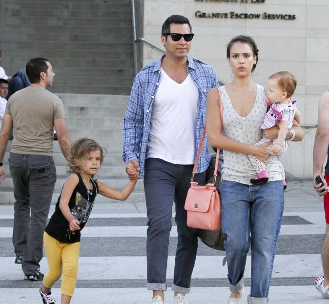 Jessica Alba en famille le 21 juillet 2012 à Los Angeles
