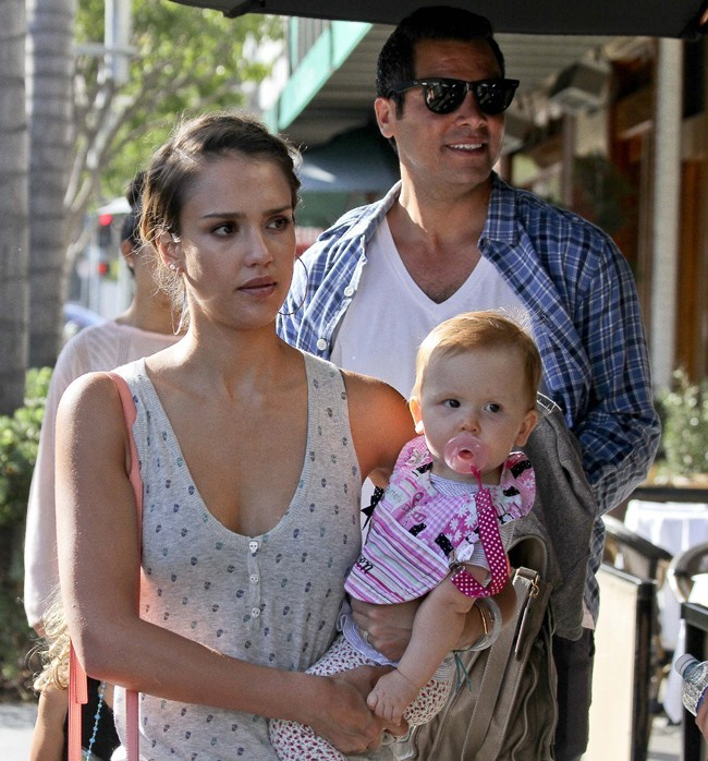 Jessica Alba et Haven Garner le 21 juillet 2012 à Los Angeles
