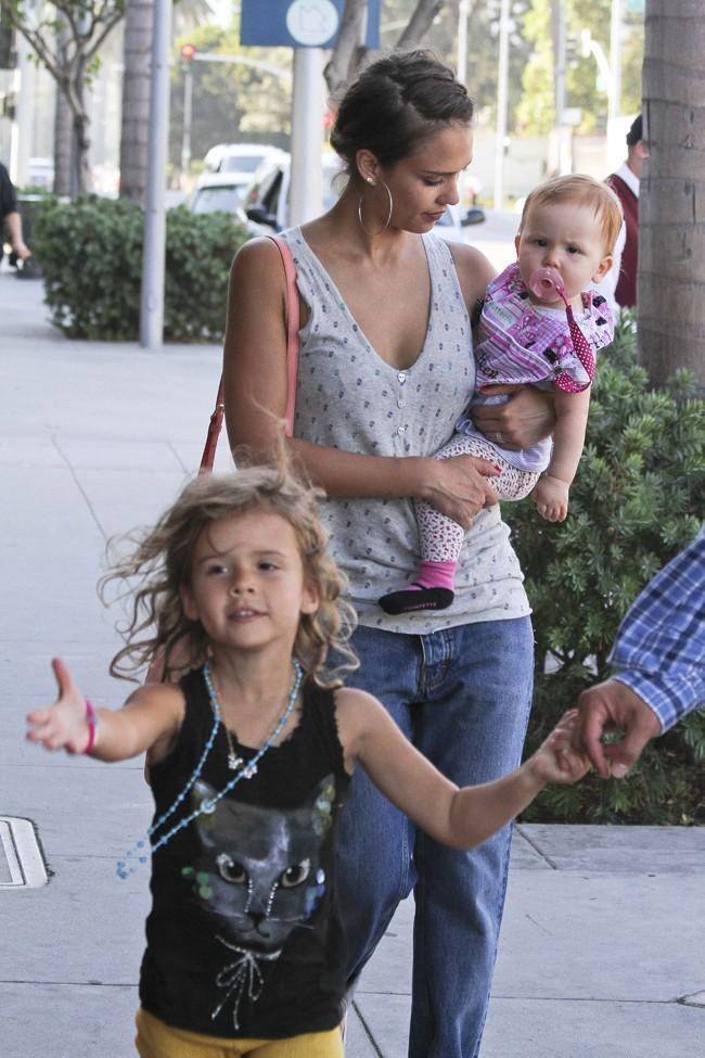 Jessica Alba, Haven Garner et Honor Marie le 21 juillet 2012 à Los Angeles