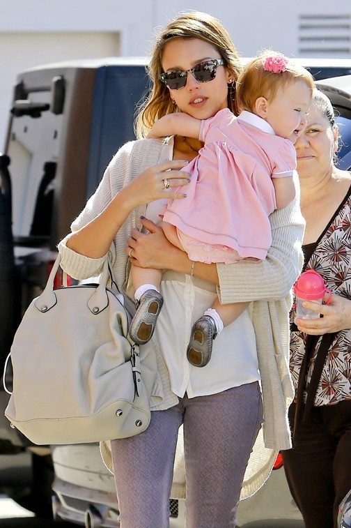 Jessica Alba à Los Angeles le 25 octobre 2012