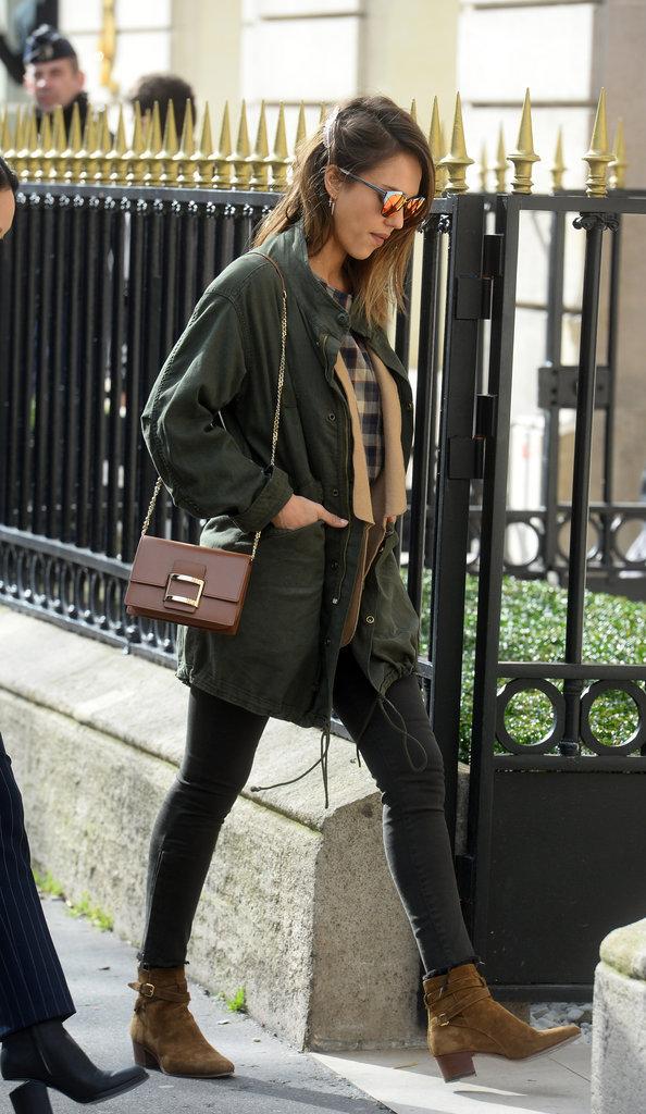 Photos : Jessica Alba : décontractée de jour, elle sort le grand jeu la nuit à Paris !