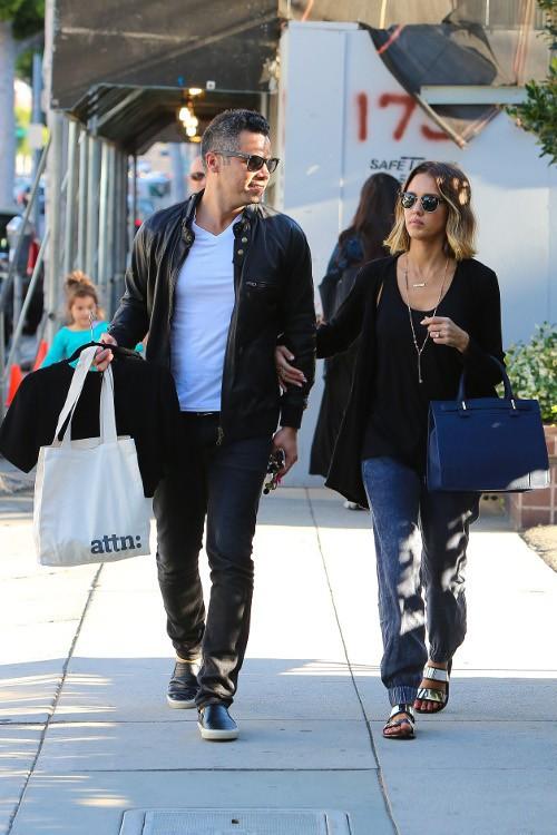 Jessica Alba et Cash Warren à Beverly Hills le 28 avril 2015