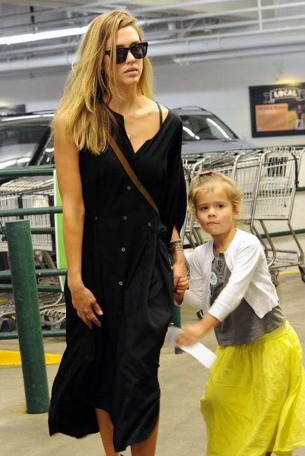 Jessica Alba et sa fille Honor à Los Angeles, le 18 septembre 2012.