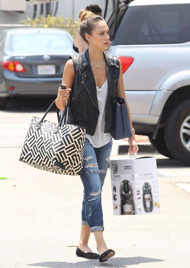 Jessica Alba à Santa Monica le 18 juillet 2013