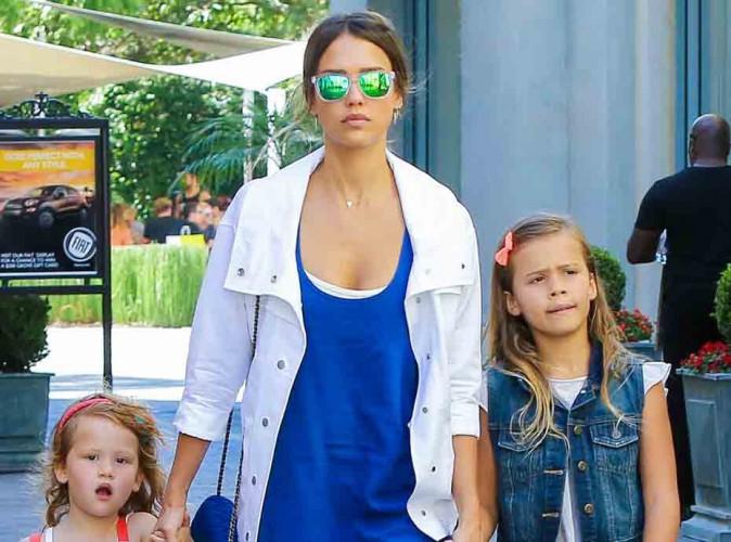 Photos : Jessica Alba entourée de ses deux princesses pour dévaliser la nouvelle boutique de Nicole Richie !