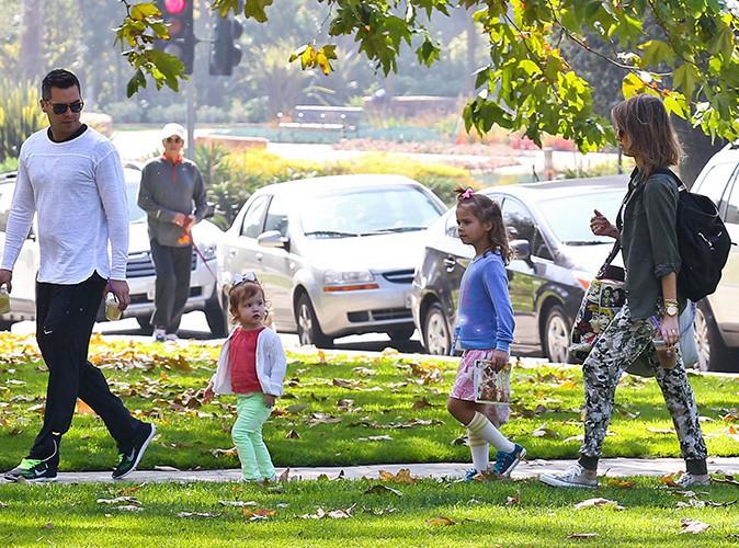Jessica Alba en famille à Los Angeles le 23 février 2014