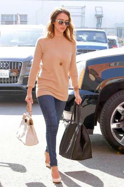 Jessica Alba à Los Angeles, le 11 février 2014.