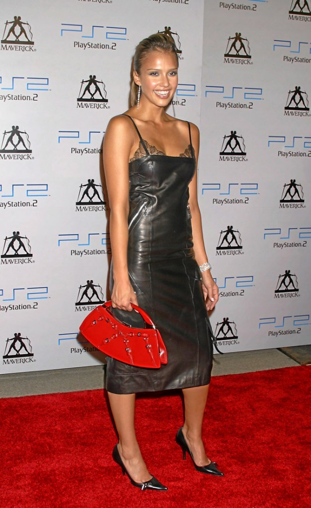 Jessica Alba à 20 ans : ... ou glamour ?