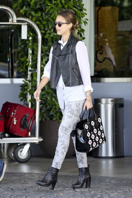 Jessica Alba le 19 octobre 2012 à West Hollywood