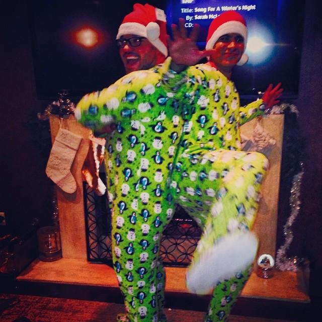 Cash Warren en famille lors du réveillon de Noël, le 24 décembre 2013.