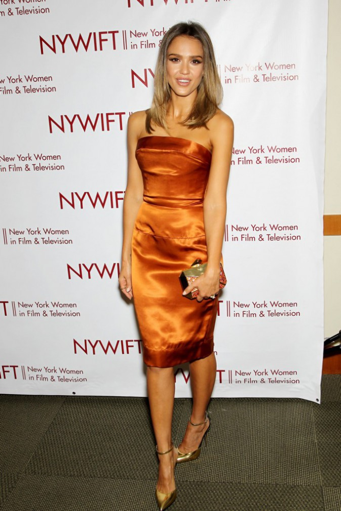 Photos : Jessica Alba : une beauté fraîche et enivrante sur le redcarpet des Designing Women Awards !