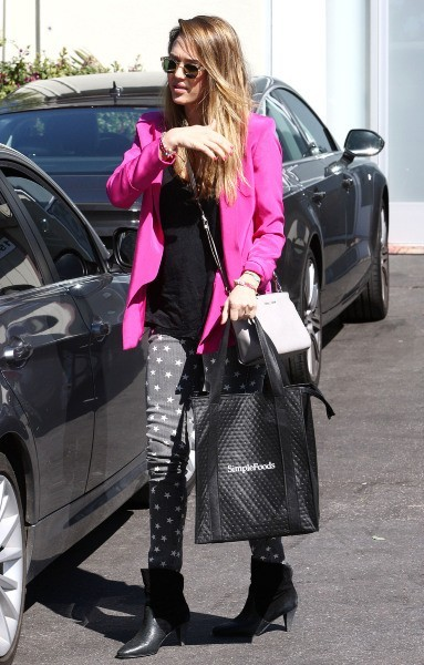 Jessica Alba à Santa Monica, le 20 février 2013.