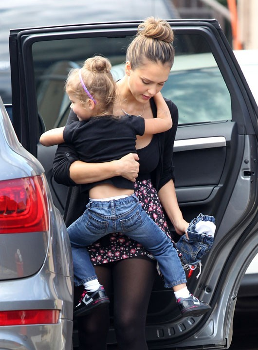 Jessica Alba et sa fille Honor à Los Angeles, le 22 septembre 2011.