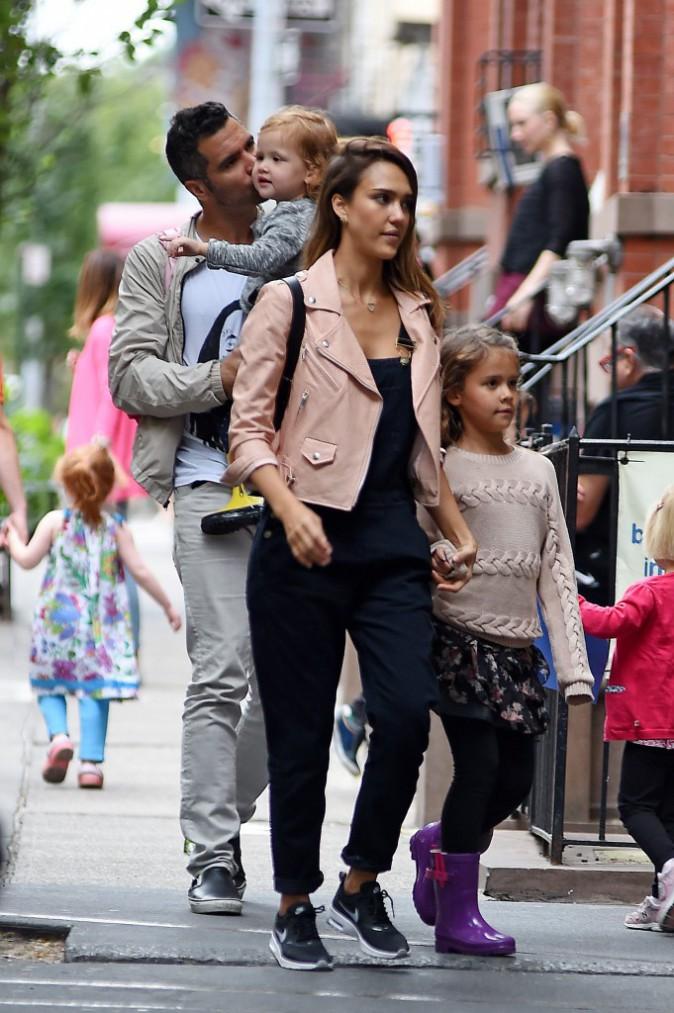 Photos : Jessica Alba : virée culturelle en famille !