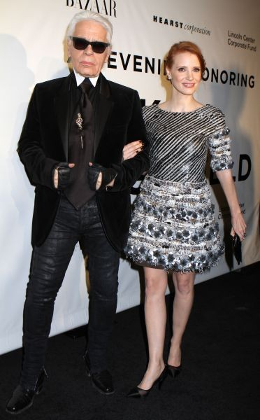 Jessica Chastain et Karl Lagerfeld à New York, le 6 novembre 2013.