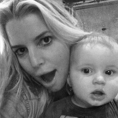 Photos : Jessica Simpson : aux anges avec son fils Ace, elle ne le lâche plus !