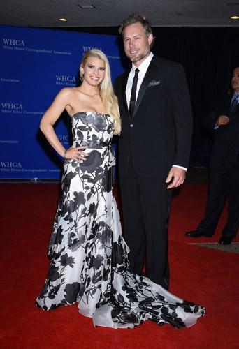"""Photos : Jessica Simpson : elle a dit """"oui"""" à Eric Johnson !"""