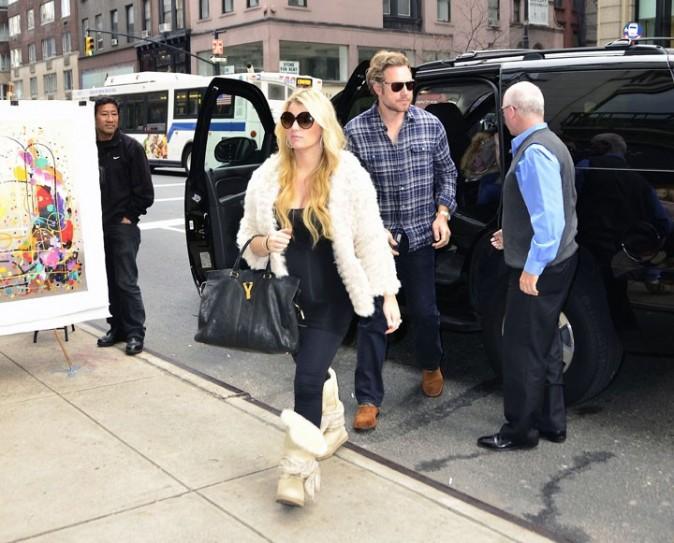 Jessica Simpson et Eric Jonhson arrivent chez Barney's à New-York !