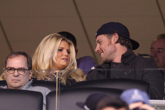 Jessica Simpson et Eric Jonhson au Super Bowl