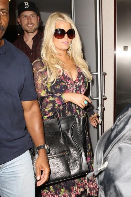 Jessica Simpson à l'aéroport de Los Angeles, le 11 septembre 2012.