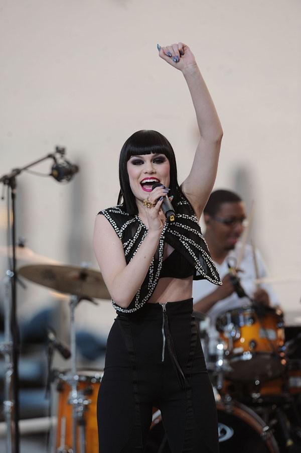 Jessie J, en plein show, elle est maquillée !