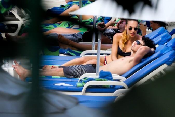 Joe Jonas et Blanda Eggenschwiler le 13 mars 2013 à Rio de Janeiro