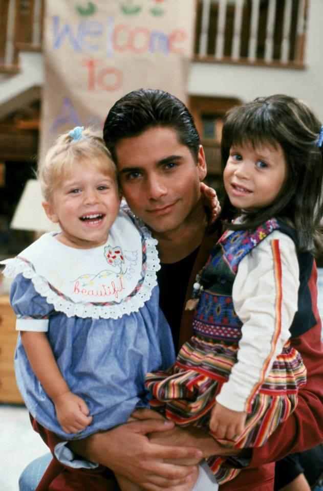 John Stamos : Il reconnaît avoir voulu virer les sœurs Olsen !