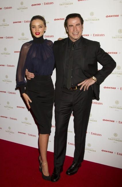 Miranda Kerr au bras de John Travolta à la soirée Qantas