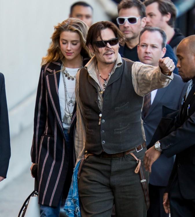 Photos : Johnny Depp : il s'affiche main dans la main avec sa belle Amber Heard !