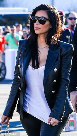 Photos : Jordan James Parke copie Kim Kardashian !