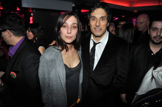 Vincent Elbaz et sa sœur lors de l'after-party du film La Vérité Si Je Mens 3 à L'Arc à Paris, le 30 janvier 2012.